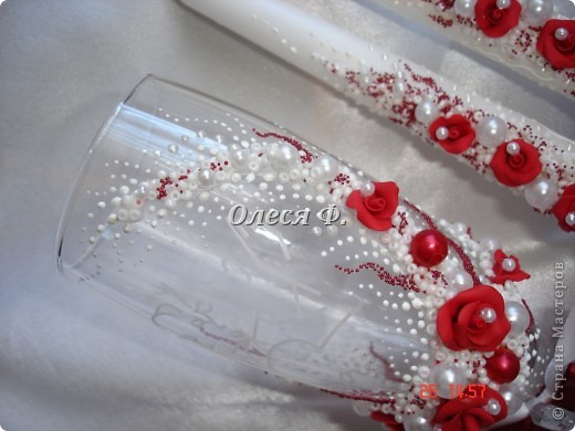Последнее время, как никогда, много заказов на красные бокалы. Видимо, делать какой-то цветовой акцент входит в свадебную моду фото 6