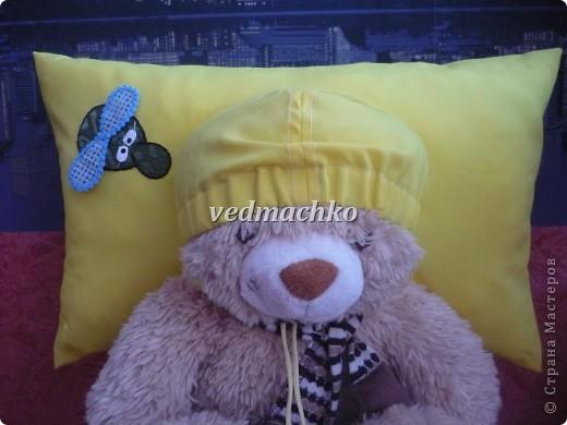 Подушка была сшита в качестве юмористического подарка, но оказалась очень удобной вещью!))) фото 1