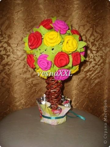 на шар из ниток наклеили розы, сделанные по МК мастериц сайта(спасибо что вы есть!!!) фото 2