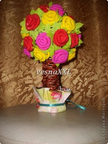 на шар из ниток наклеили розы, сделанные по МК мастериц сайта(спасибо что вы есть!!!) фото 1