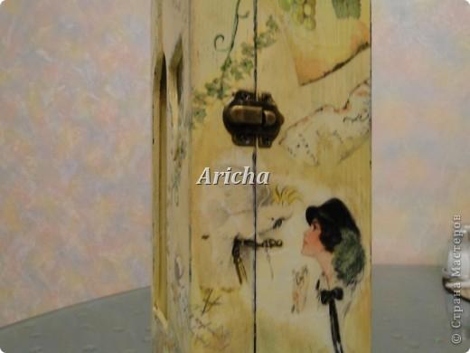 Испльзовала деревянную заготовку, акриловые краски, салфетки, лак на водной основе. фото 5