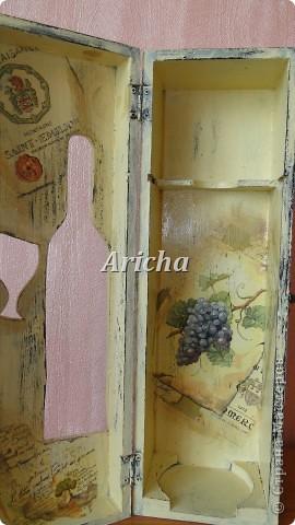 Испльзовала деревянную заготовку, акриловые краски, салфетки, лак на водной основе. фото 4