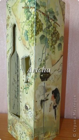 Испльзовала деревянную заготовку, акриловые краски, салфетки, лак на водной основе. фото 1