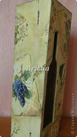 Испльзовала деревянную заготовку, акриловые краски, салфетки, лак на водной основе. фото 3