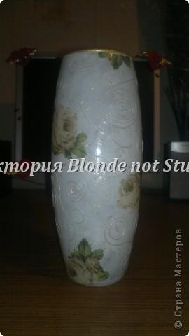 """это моя первая работа. Работала, легко, быстро, на одном дыхании)) Использованы: ваза стеклянная, краска акриловая белая, салфетки 3-трёхслойные, лак акриловый глянцевый, нить белая, контур """"Золото"""" и """"Серебро"""" фото 1"""