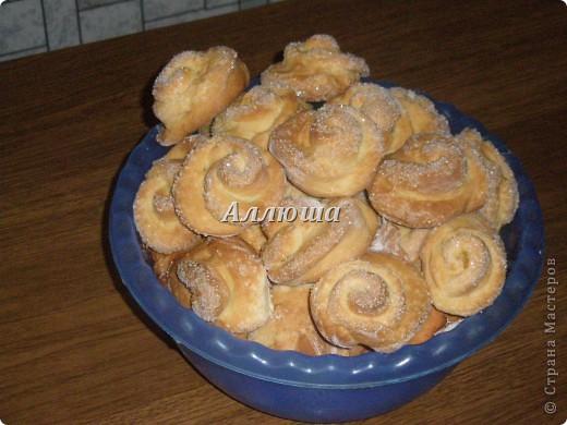 """Печенье """"Розочки"""" Данный МК сделан на основе съедобного теста. Точно так же я леплю розочки и из соленого теста. фото 1"""