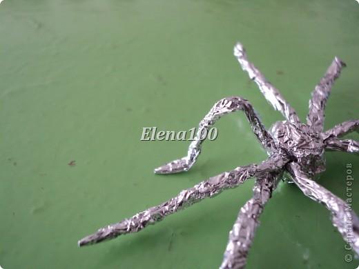 """У бедняги паука Жизнь не очень-то легка. «Не закончу паутины,  Как ее сметут с гардины». (В.Сибирцев) Вот такого паучка мы делаем с детьми в объединении """"Сувениры"""".   фото 22"""