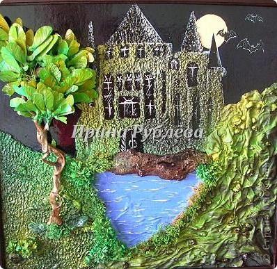 Используя свойство ткани красиво и неповторимо драпироваться, создаются замечательные картины и панно с рельефным изображением деревьев, древесной коры, гор, воды. Чтобы драпировки хорошо держались, ткань обрабатывают мучным клейстером. фото 20