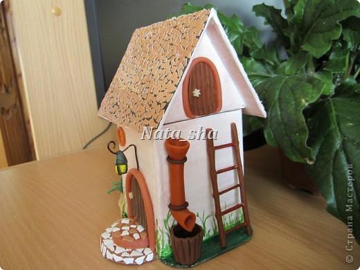 Привет всем жителям нашей чудесной Страны! Давно хотела сделать чайный домик.Вдохновительницей стала прекрасная Мастерица - Волшебница Настина бабушка! Лепила вдохновенно,словно в детстве побывала ))) фото 3