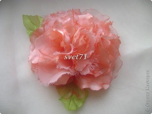 """Решила сделать вот такую розу,назвала её """"морозной"""",наверное потому,что иней у неё. фото 3"""
