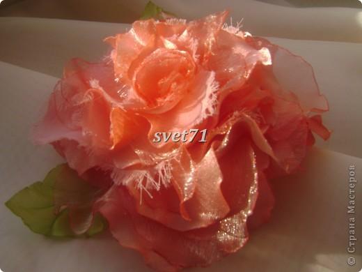 """Решила сделать вот такую розу,назвала её """"морозной"""",наверное потому,что иней у неё. фото 1"""