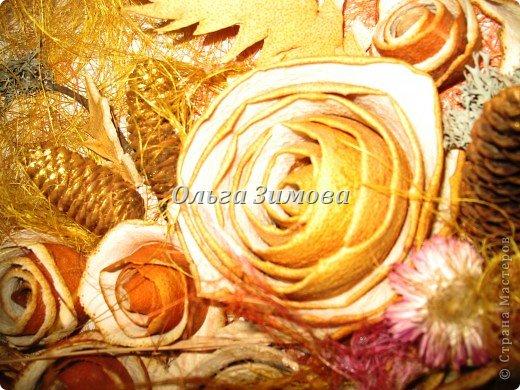 Цветы на панно -сухие апельсиновые корки и корки плодов помело. фото 3