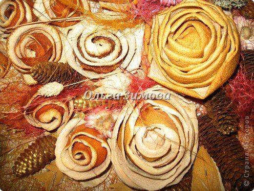 Цветы на панно -сухие апельсиновые корки и корки плодов помело. фото 4