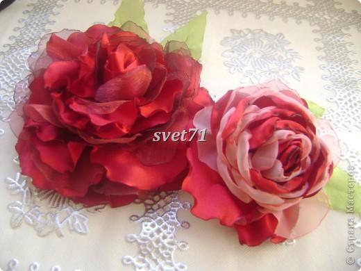 Розы почему то на фото получились красные,на самом деле они бордовые))) фото 2