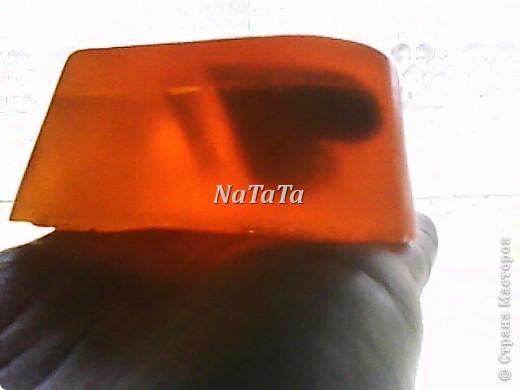 """Мыло в виде сердца с эфирными маслами бергамота и грейпфрута.А внутри плавают))))сердечки из """"шоколадной""""основы. фото 2"""