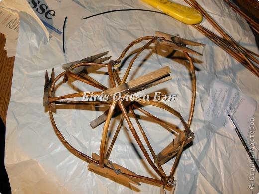 Картина панно рисунок Плетение Плетеное сердце из газетных трубочек Бумага Бумага газетная Бусины фото 5