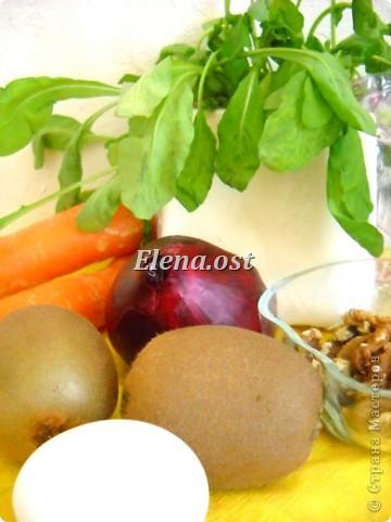 Плоды киви очень полезны и прекрасно сочетаются и с рыбой, и с мясом, и с овощами. Данное блюдо богато витаминами и не слишком калорийно. Попробуйте - не пожалеете!  фото 2