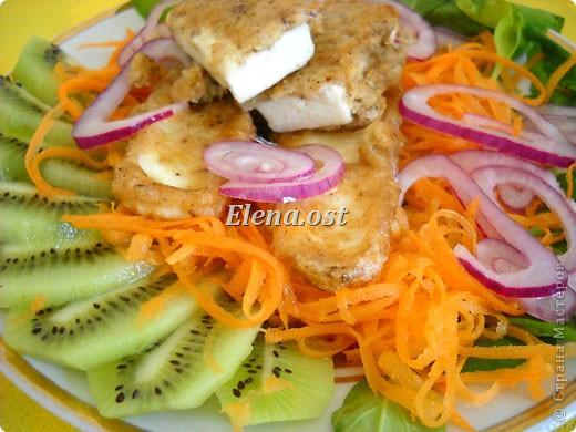 Плоды киви очень полезны и прекрасно сочетаются и с рыбой, и с мясом, и с овощами. Данное блюдо богато витаминами и не слишком калорийно. Попробуйте - не пожалеете!  фото 5