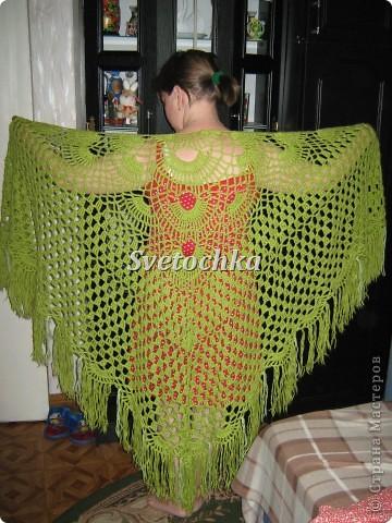 Шаль-это одна из моих первых работ по вязанию, связана буквально за три вечера крючком. фото 2