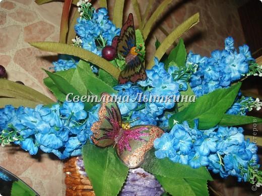 впервые увидела таких бабочек здесь http://by-hand.ru/item/view/3710 и решила себе сделать таких же прелестниц. Подробное описание как вырезать бабочек не буду повторять, а напишу лишь о своих изменениях. фото 7
