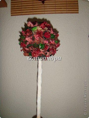 """Думаю, что Вы уже заметили...  """"Питаю слабость к деревьям""""...:)) , в том числе к топиариям...  По-моему, так называются эти миниатюрные деревца... Решила сделать на день рождения подруге ...в дополнение к подарку... фото 17"""