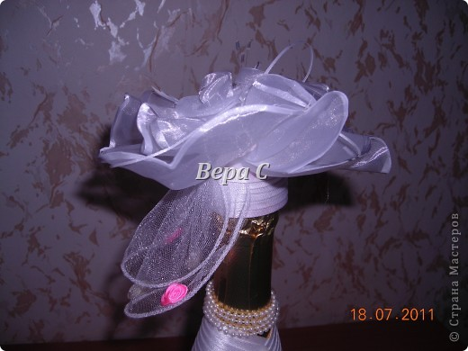 Благодаря здесь описанию, как делаются свадебные бутылки https://stranamasterov.ru/node/209850?c=favorite , я смогла  сотворить такое чудо на заказ. фото 5