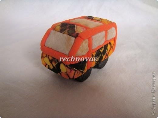 """Елочная игрушка """"Микроавтобус"""", сделанная на днях для помешанного на общественном транспорте старшего ребенка фото 1"""