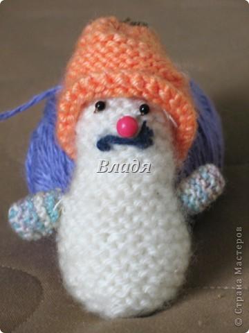 А может снеговичок!!!!!!!!!!