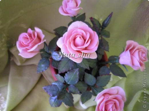 Никогда не думала , что лепить розы - это так увлекательно! А дарить их - так упоительно... фото 2