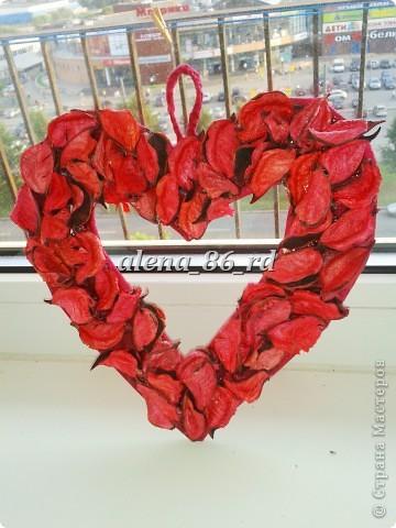 Вот такое яркое и страстное сердце я сделала! Подойдет как подарок на День Св.Валентина или просто как знак внимания любимому человку. фото 1