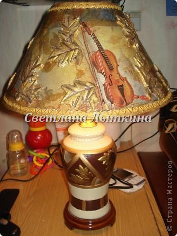 Вот такая лампа у меня получилась после реставрации. Абажур давно сломали дети а сама лампа была в хорошем состоянии, вот пришло вдохновение и я решила отреставрировать старый абажур. фото 6