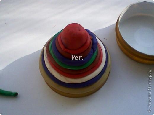 """Вот такую шкатулку """"пирожное"""" я изготовила на днях.Хотя...по моему это больше похоже на детскую игрушку...в общем,сюда можно складывать колечки и цепочки.Кому пригодится мастер-класс,вот,читайте. фото 6"""