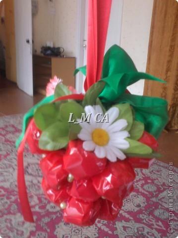 подарок-малинка из кофет фото 2