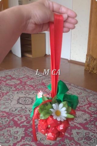 подарок-малинка из кофет фото 1