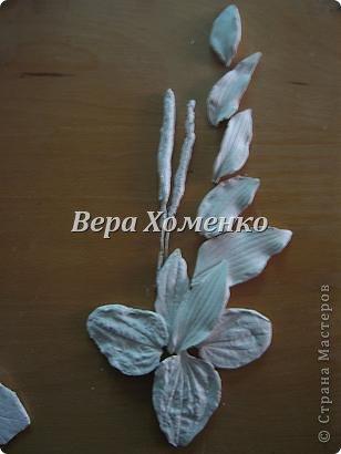 Очень вдохновили меня листочки Alevtinushka. Благодаря этому возникла идея оформить дачное зеркало гипсовыми листьями. фото 4