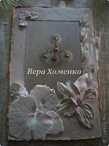 Очень вдохновили меня листочки Alevtinushka. Благодаря этому возникла идея оформить дачное зеркало гипсовыми листьями. фото 6