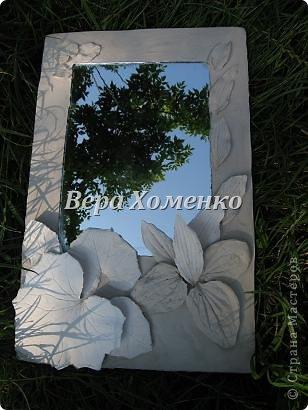 Очень вдохновили меня листочки Alevtinushka. Благодаря этому возникла идея оформить дачное зеркало гипсовыми листьями. фото 7