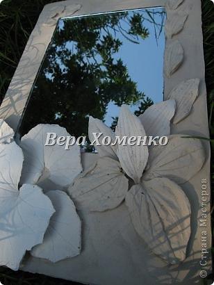 Очень вдохновили меня листочки Alevtinushka. Благодаря этому возникла идея оформить дачное зеркало гипсовыми листьями. фото 8