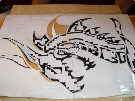 Вот такого дракона мы нарисовали на дверях. фото 3