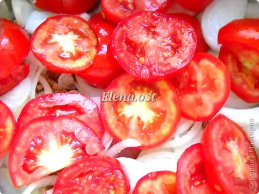 Домляма или овощное рагу в собственном соку. Домляма - диетическое блюдо, содержит полный набор полезных продуктов. Воду и масло не подливаем. Вкус отменный, ароматы во время приготовления способствуют отличному выделению желудочного сока. Это блюдо оценят по достоинству те, кто не любит стоять у плиты. Все овощи нарезали, заложили в кастрюлю, обязательно накрыть крышкой и пусть себе томятся на тихом огне. При копировании статьи, целиком или частично, пожалуйста, указывайте активную ссылку на источник! http://stranamasterov.ru/user/9321 http://stranamasterov.ru/node/225037 фото 14
