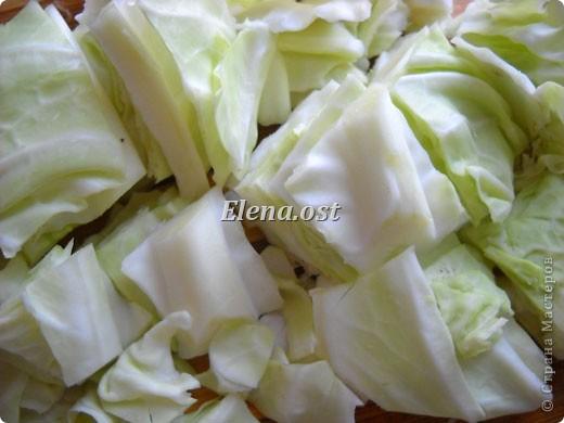 Домляма или овощное рагу в собственном соку. Домляма - диетическое блюдо, содержит полный набор полезных продуктов. Воду и масло не подливаем. Вкус отменный, ароматы во время приготовления способствуют отличному выделению желудочного сока. Это блюдо оценят по достоинству те, кто не любит стоять у плиты. Все овощи нарезали, заложили в кастрюлю, обязательно накрыть крышкой и пусть себе томятся на тихом огне. При копировании статьи, целиком или частично, пожалуйста, указывайте активную ссылку на источник! http://stranamasterov.ru/user/9321 http://stranamasterov.ru/node/225037 фото 9
