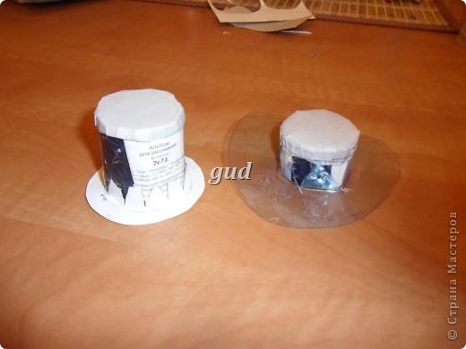 Вот такие свадебные бутылочки можно сделать тем, кто как и я не очень  дружит с шитьем. Все просто, Итак: фото 14