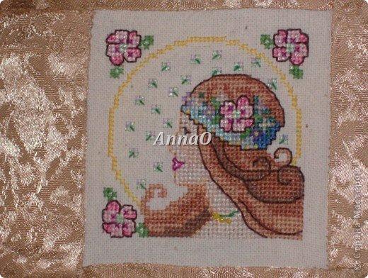Вот такие подушечки пошила и вышила крестом маме в подарок на 8 марта фото 4