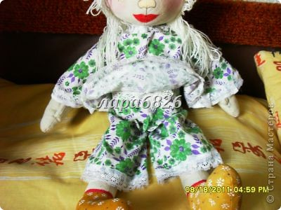 Всем приветик!!!Это моя самая первая кукла и первый опыт по пошиву.Все шьют кукол,  а я только любовалась и восхищалась уменью мастериц,Вот и я решилась,достала залезавший клочок из бабушкиного сундука  и принялась за работу.Что вышло судить Вам!!! фото 5