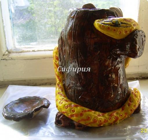 Змея на пне (из банки) фото 1