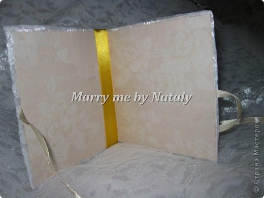 Здравствуйте, уважаемые мастерицы! Продолжаю пополнять набор для свадьбы подруги.  Обложка для дисков со свадебным видео, первый опыт, хочется верить-удачный. фото 4