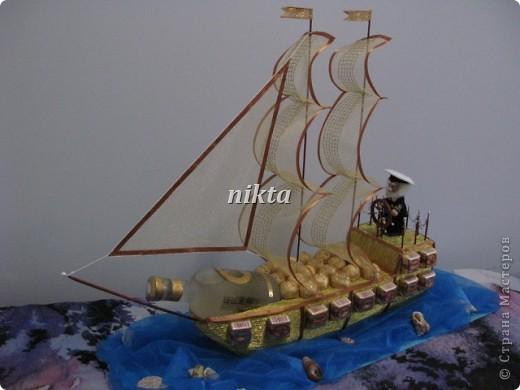 Ну чтож, моя флотилия все увеличивается. Это подарок от дочери папе-бывшему моряку. Длина корабля 66 см, высота 55, подставка 75 см. фото 5