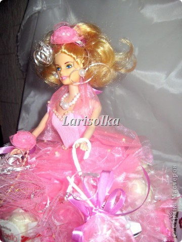 Попробовала нарядить куколку, и повод хороший подвернулся, у крестницы мужа 6-тилетие отмечали. фото 5