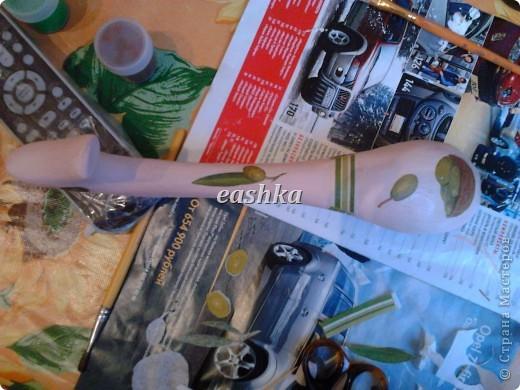 Первый раз попробовала декупаж на дереве - очень понравилось! не сравнить с коробками - краска ложится ровно, салфетки приклеиваются идеально... сплошное удовольствие :) фото 6