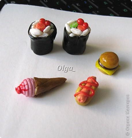 Еда из пластики